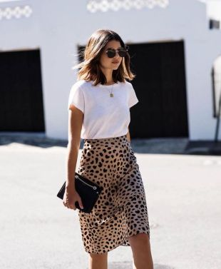 Casual Styling White T and Leopard Print Skirt