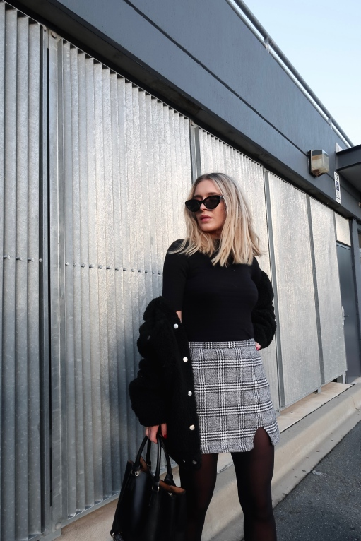 Styling Verge Girl Effecting Change Mini Skirt in Autumn/Winter Outfit Ideas